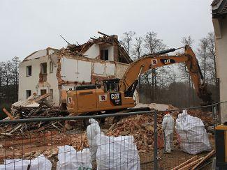 Abbrucharbeiten für neue Wohngruppen